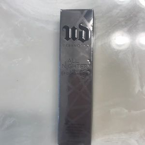 Urban Decay - All Nighter Foundation - shade 4.5